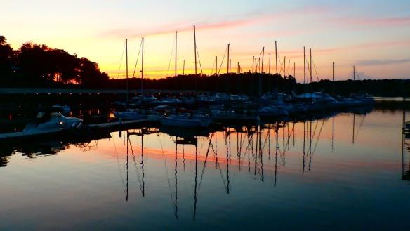 sunset at pickwick
